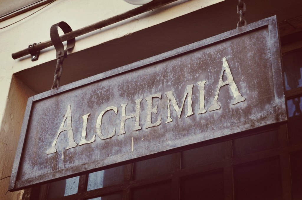 Alchemia, Kraków ul. Estery 5