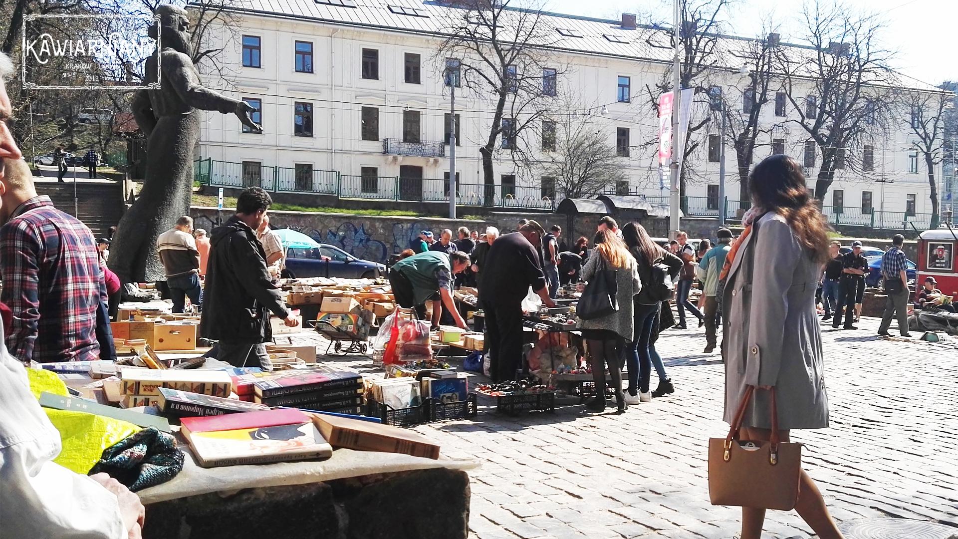 Co i gdzie kupić we Lwowie? Pchli targ przy ulicy Podwalnej