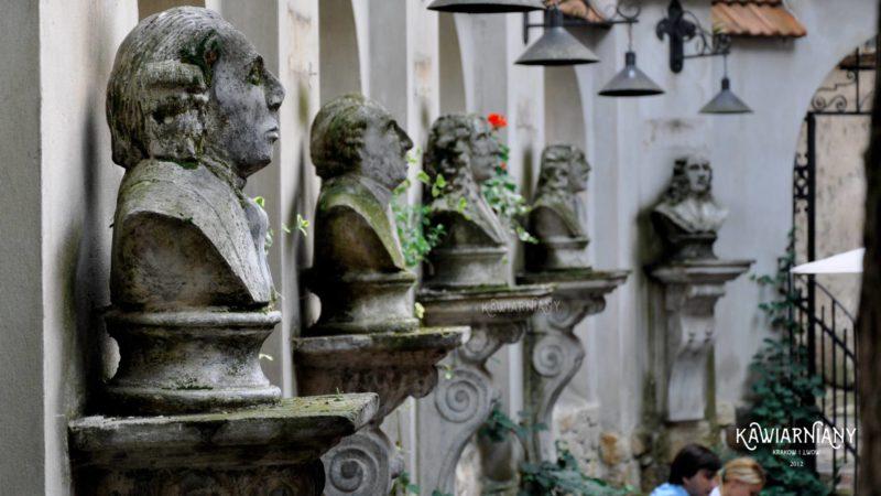 Restauracja Mons Pius, Lwów
