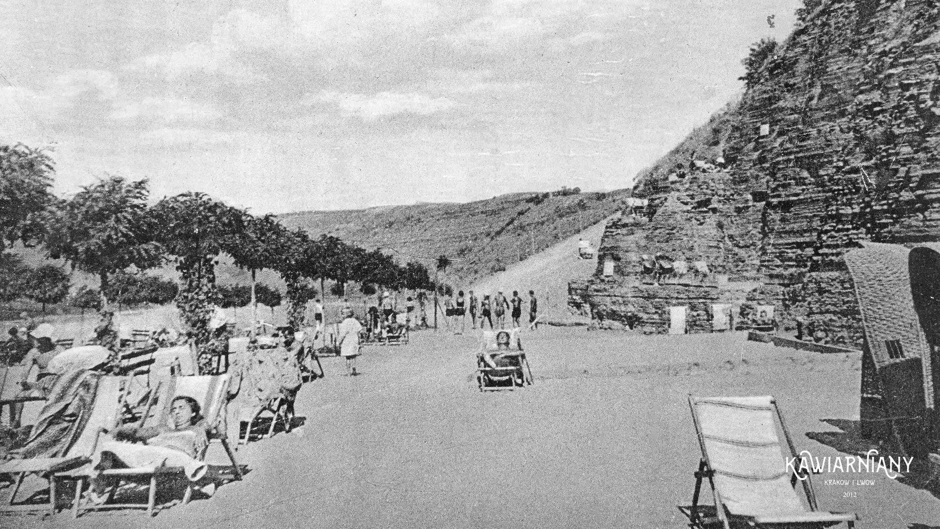 Plaża Słoneczna, końcówka lat 30-tych. Fot. Domena Publiczna