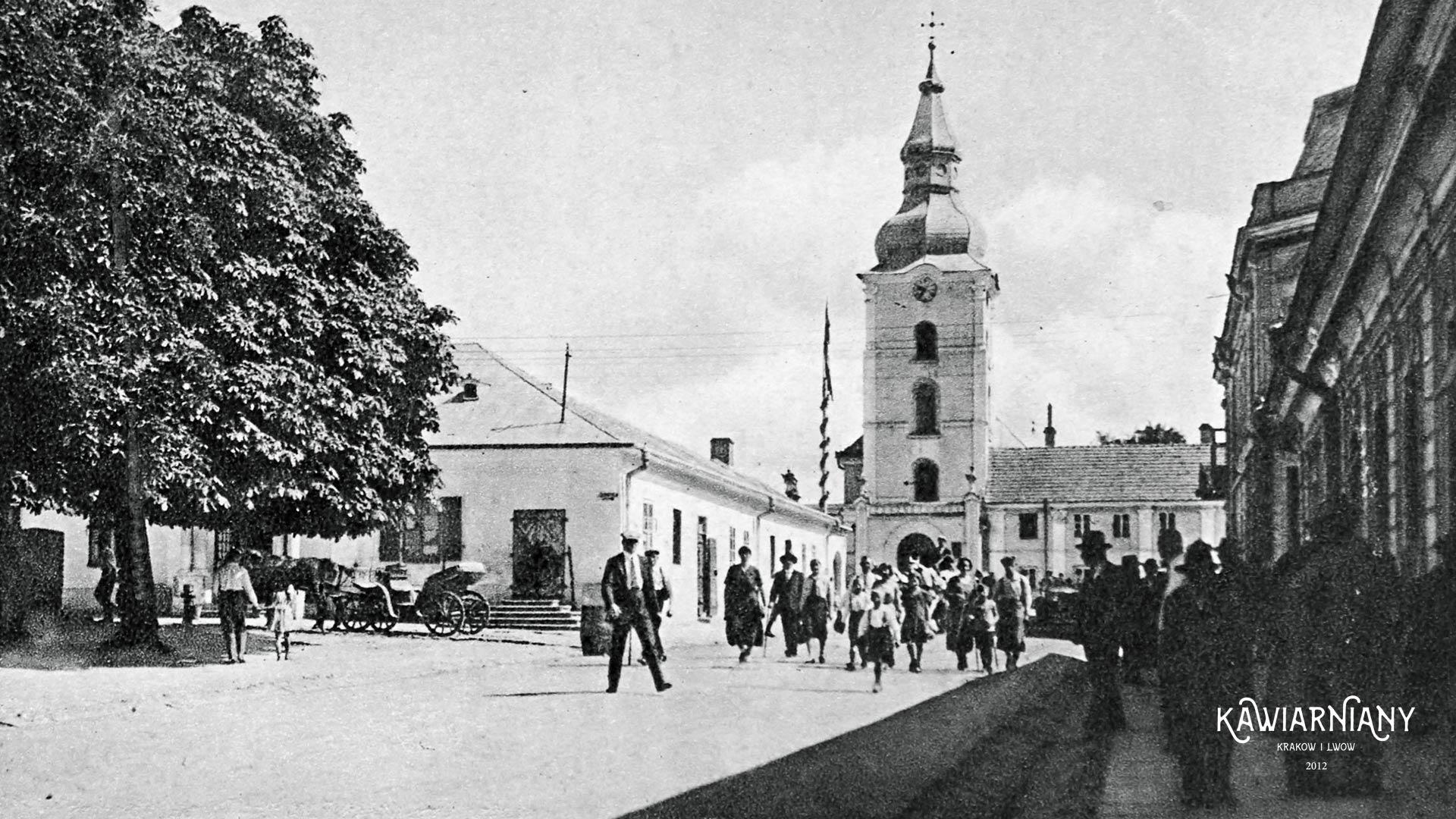 Kościół w Zaleszczykach, po wojnie magazyn i latryna, lata 30-te. Fot. Domena Publiczna