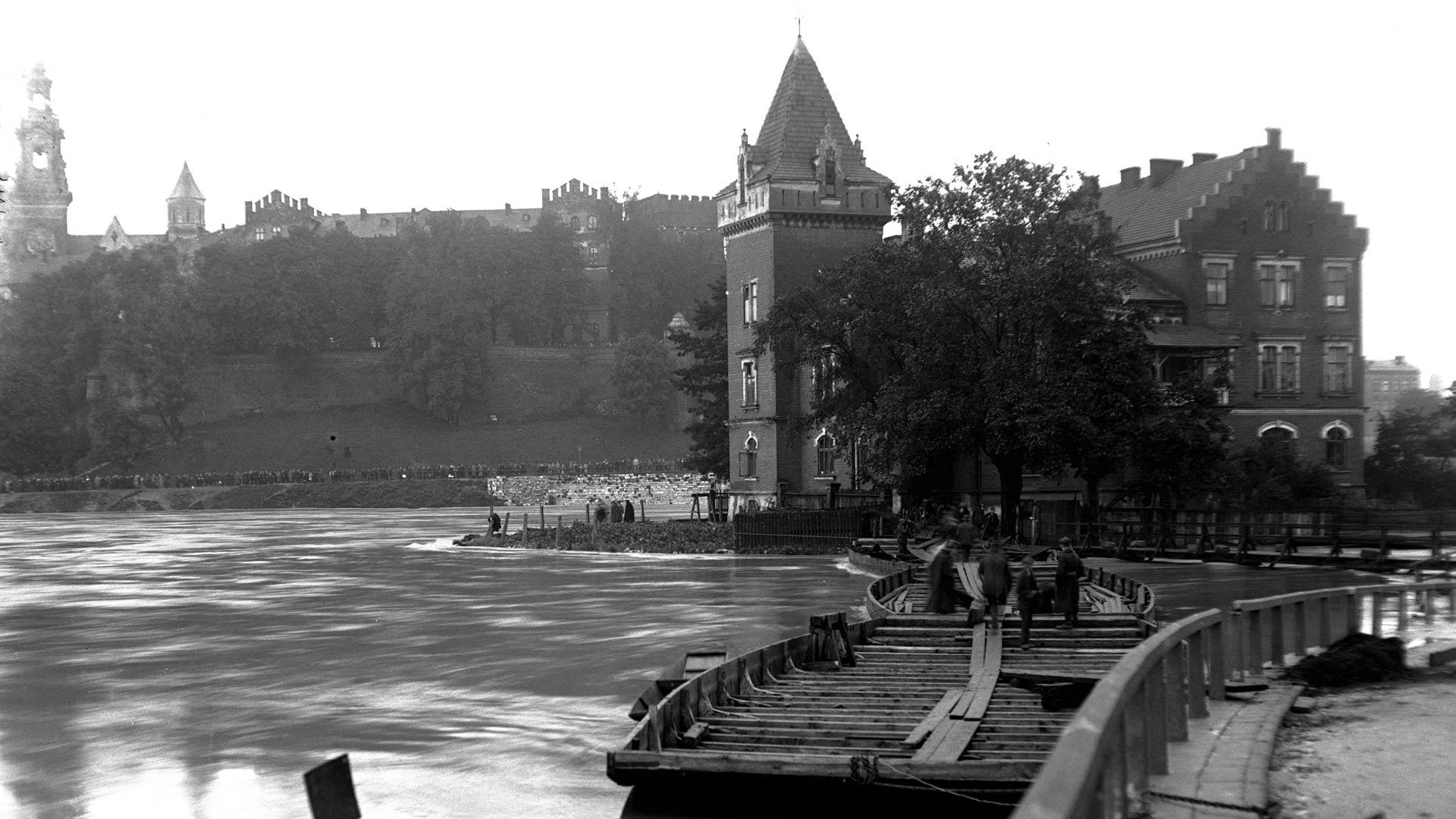 Powodzie w Krakowie – stare zdjęcia. Tak zalewało Kraków