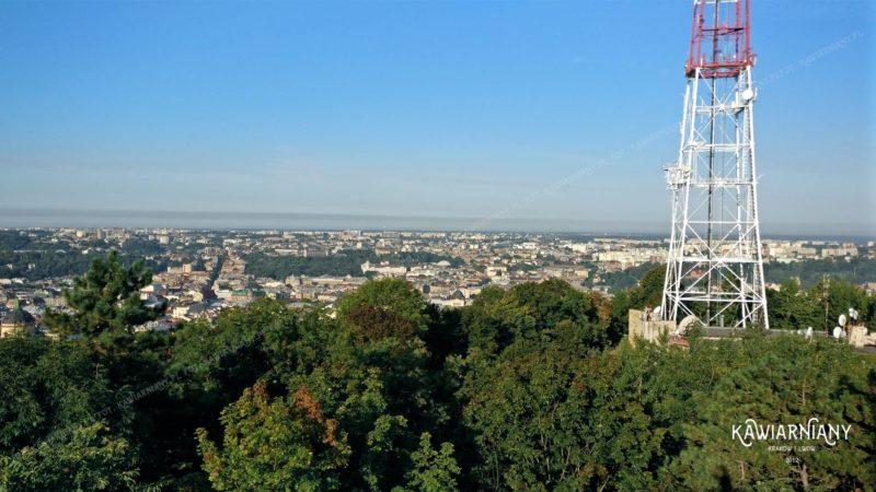 Biało-czerwona wieża nad Lwowem