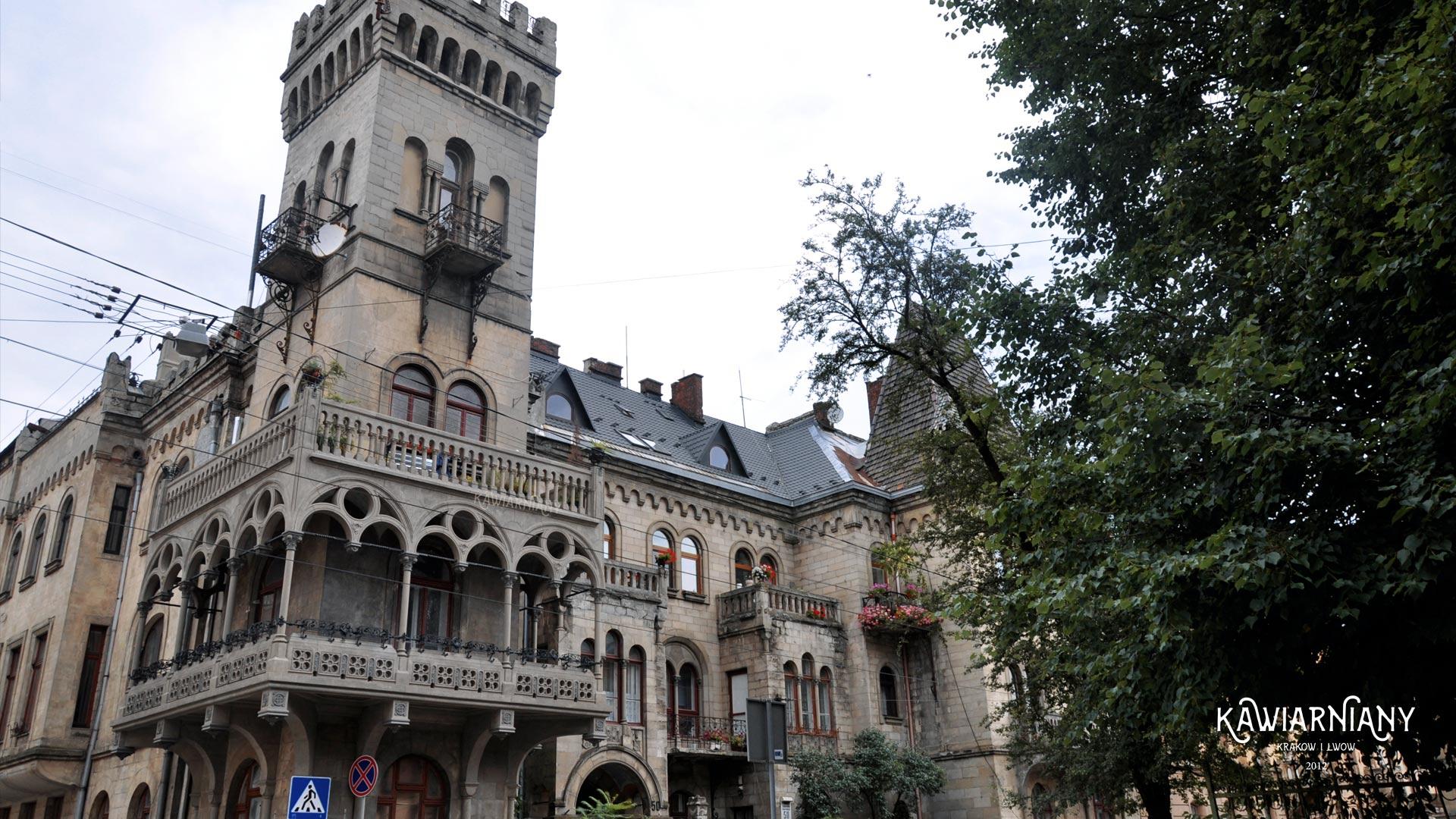 Gotycki zamek we Lwowie? Nie! To Dom Pod Orłami (Willa Sosnowskiego, Dom Biesiadeckiego)