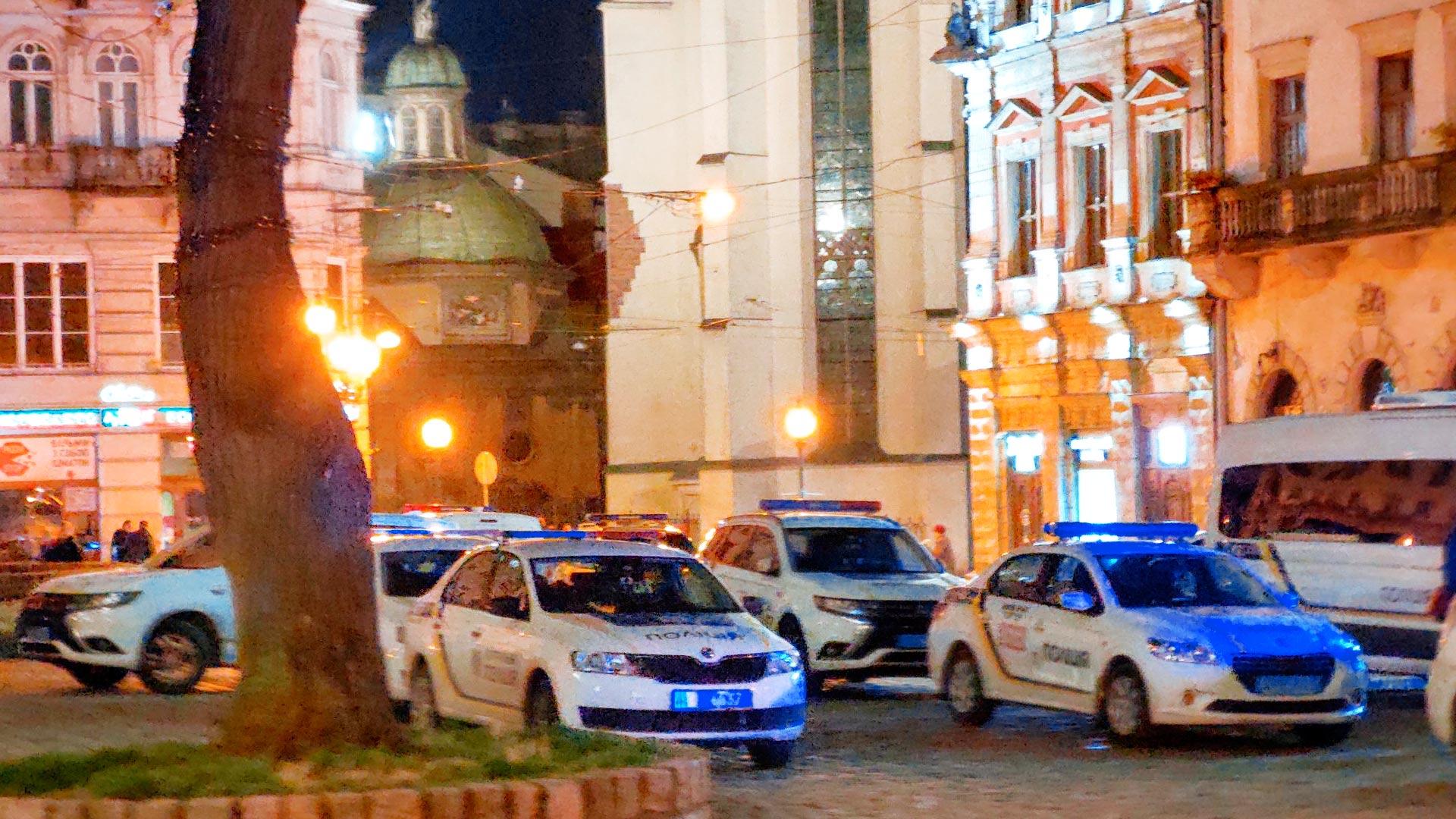Pilne: Bójka pseudokibiców na Rynku we Lwowie