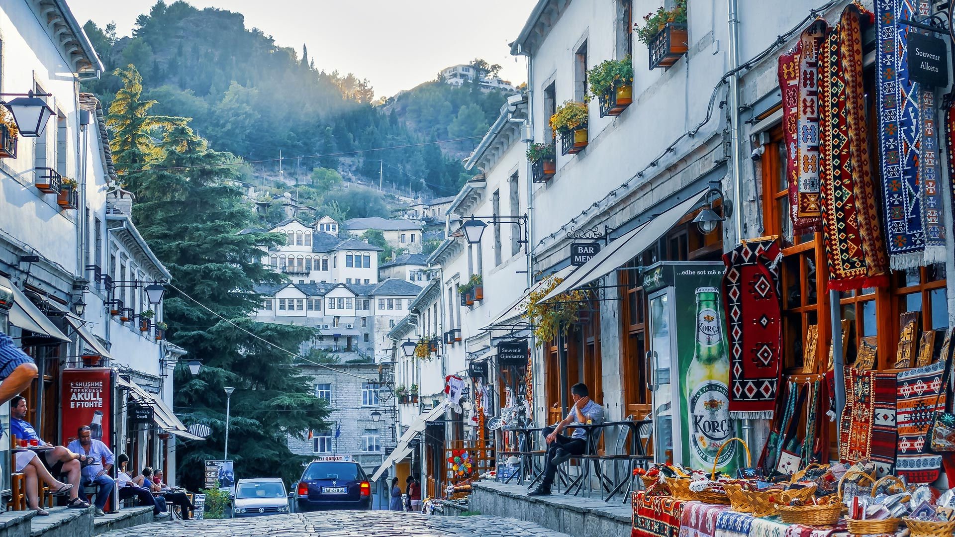 Jakie pieniądze są w Albanii? Waluta w Albanii. Jakie pieniądze zabrać