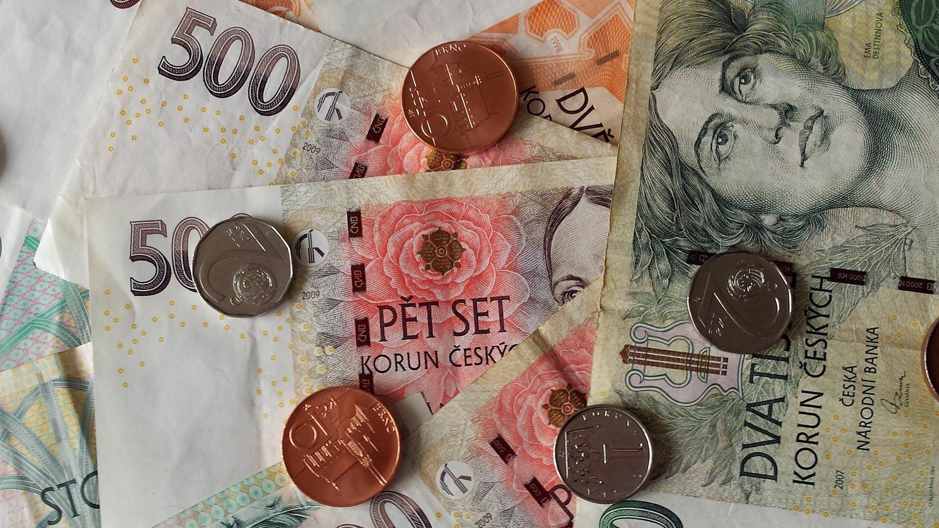 Jaka waluta w Czechach? Euro czy korony? Pieniądze do Pragi
