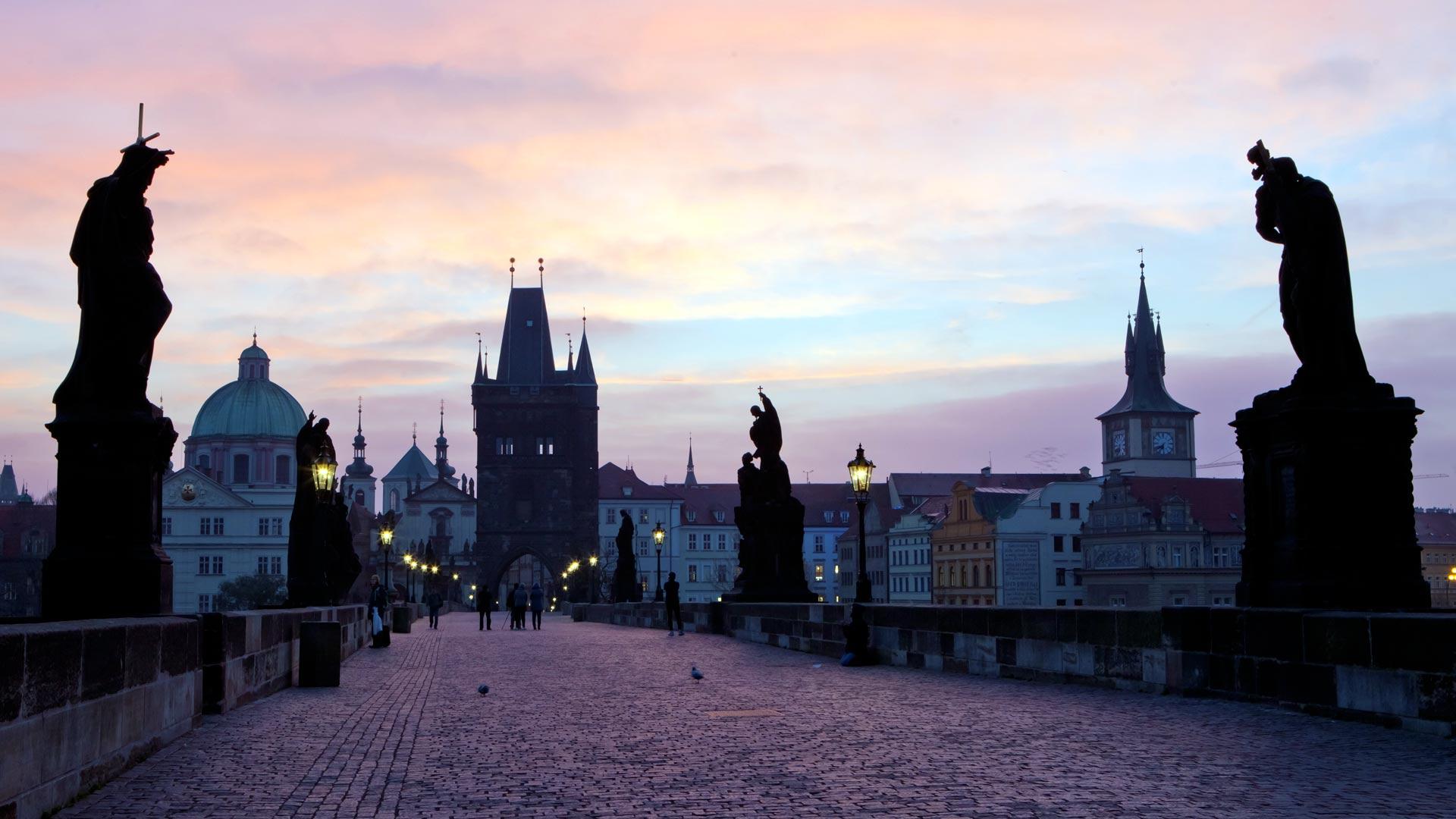 Czy Praga leży nad Dunajem? Nad jaką rzeką leży Praga?