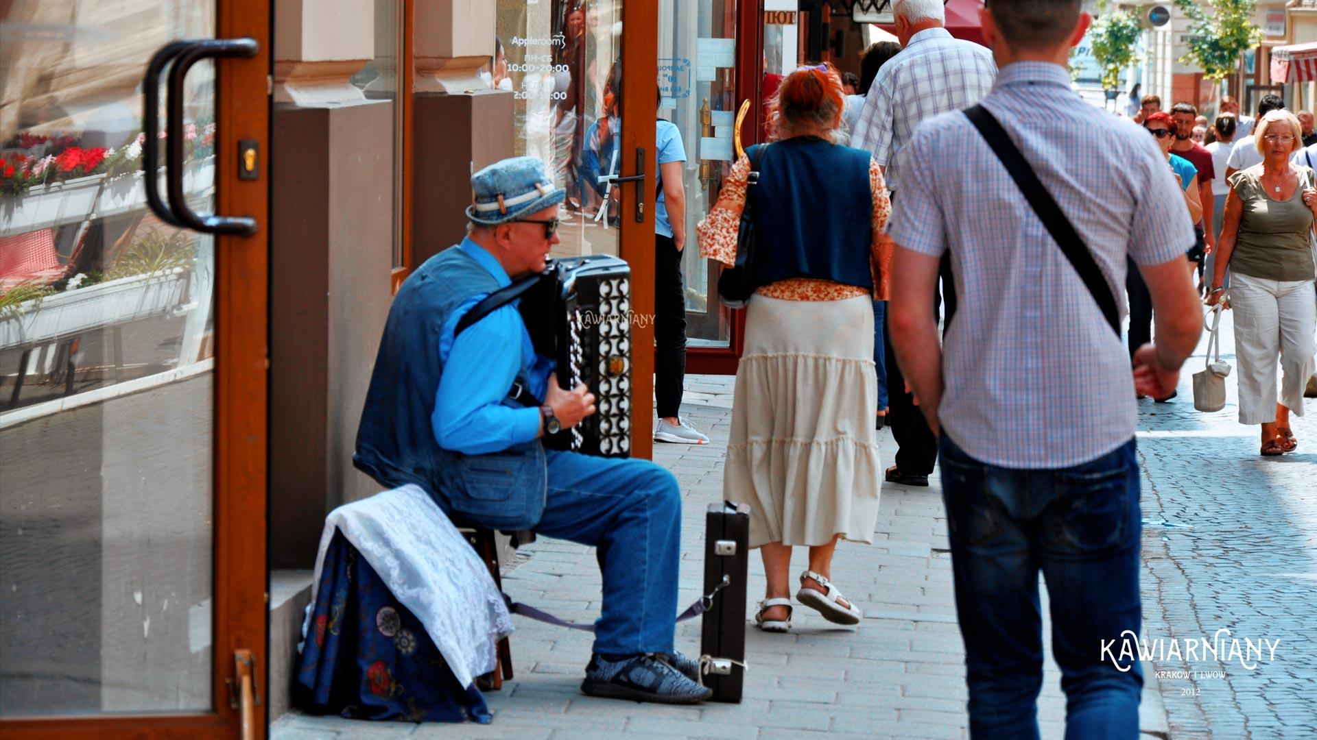 11 występów ulicznych artystów ze Lwowa. Jeszcze kiedyś ich usłyszymy!