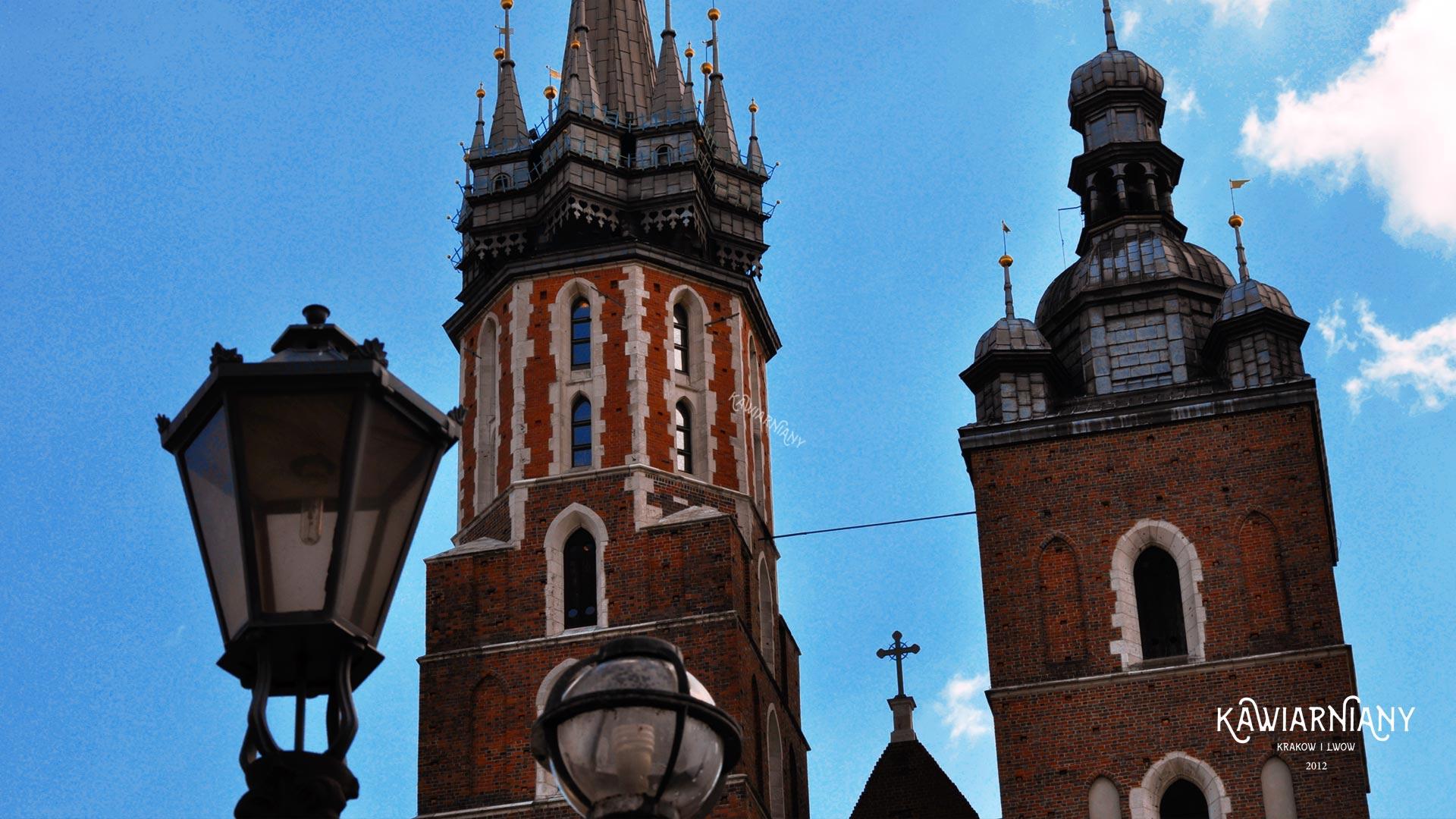 Gdzie i o której hejnał w Krakowie? Dlaczego urywa się w połowie?