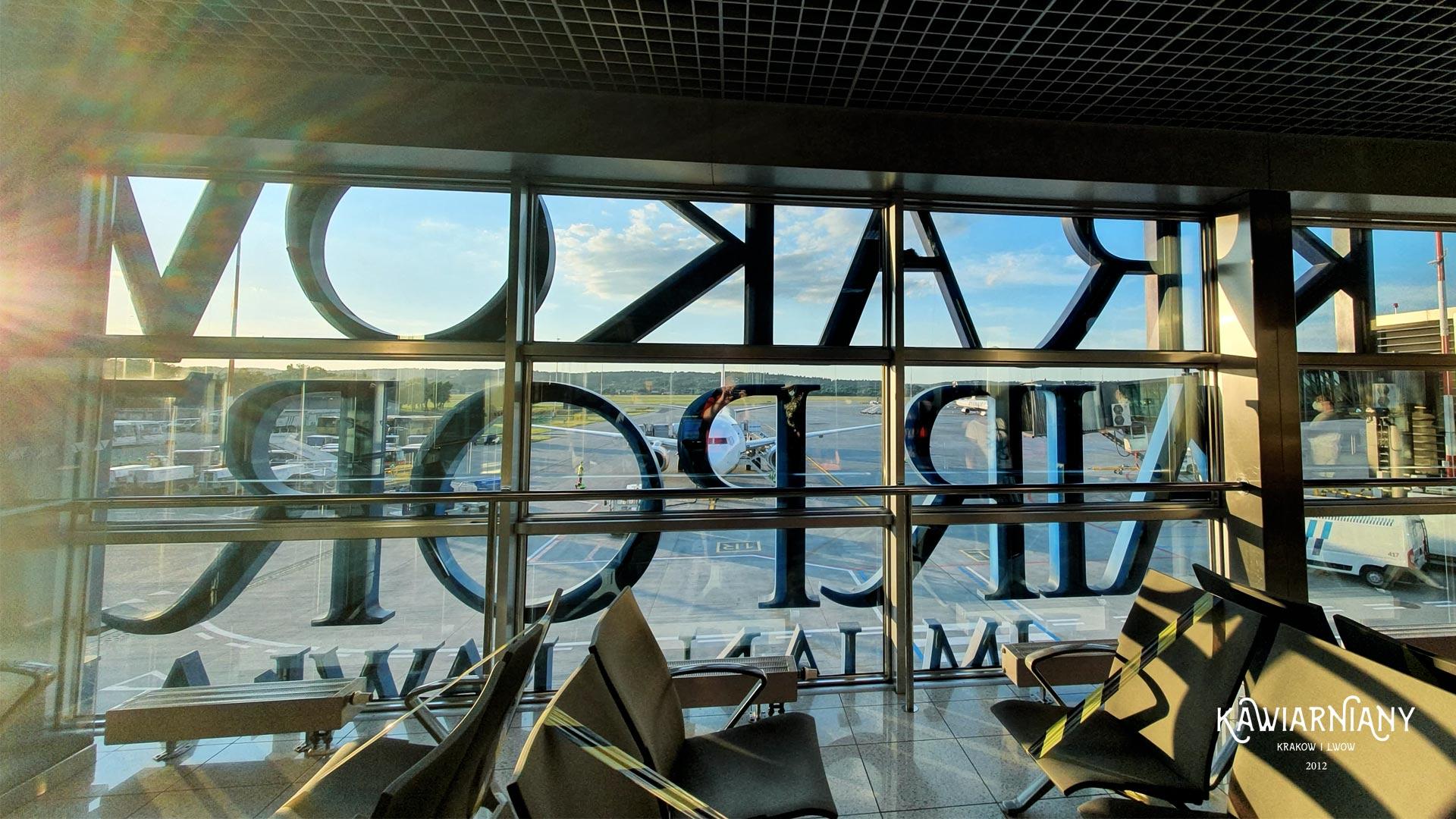 Jak dojechać z lotniska w Krakowie? Balice 4 proste sposoby dojazdu