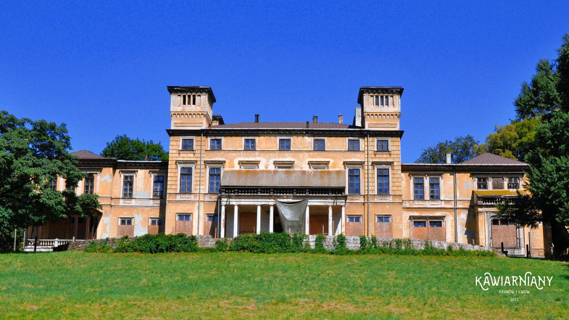Pałac Potockich w Krzeszowicach – historia. Czy możliwe jest wejście?