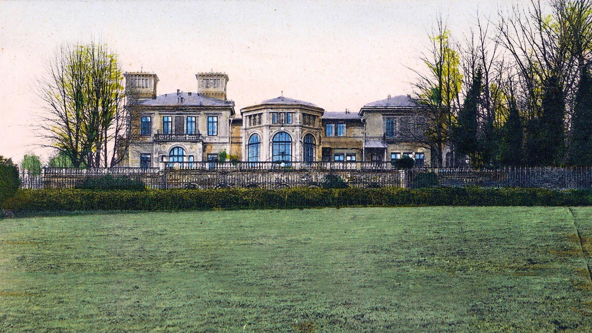 Pałac Potockich w Krzeszowicach na starych zdjęciach. Tak kiedyś wyglądał