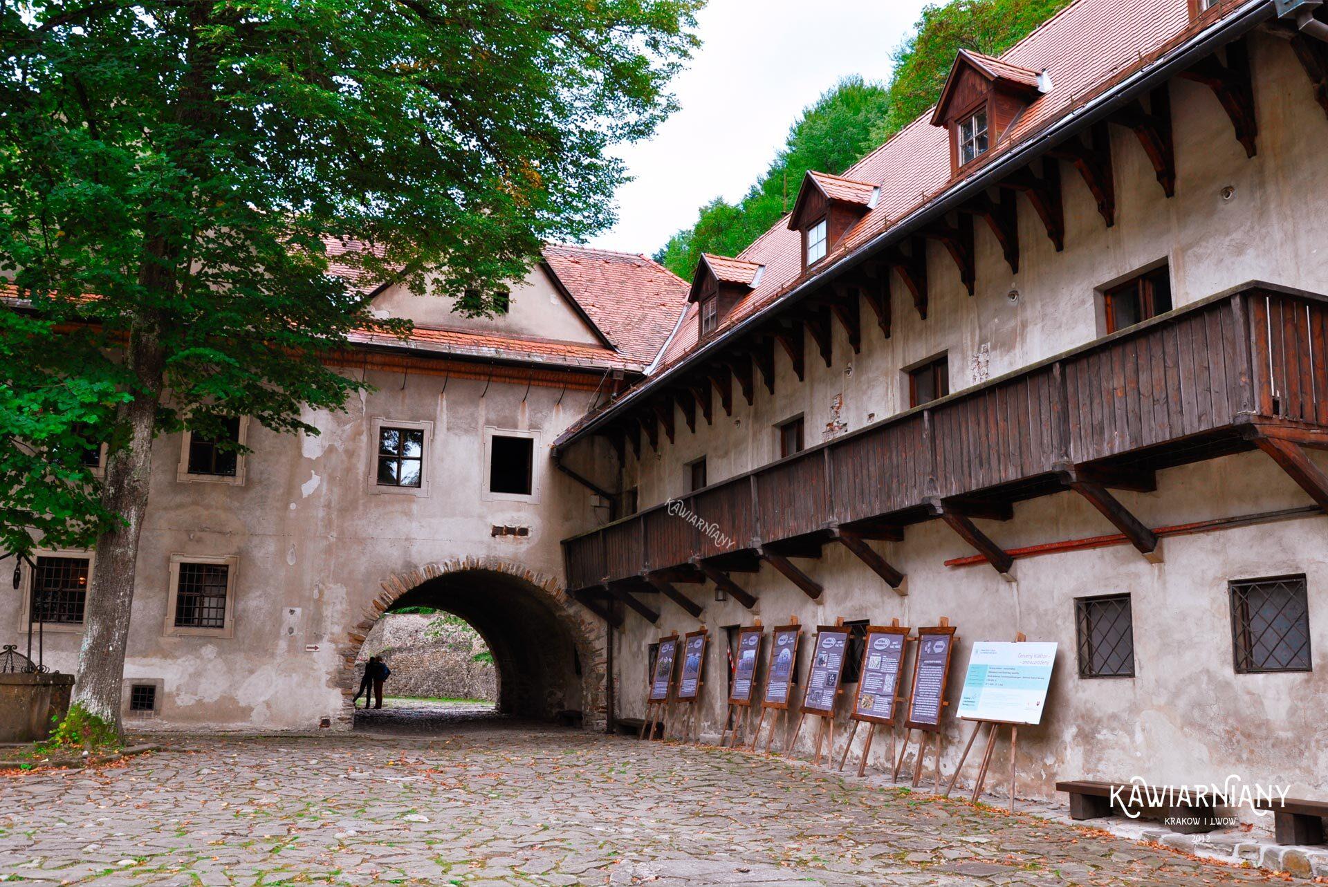 czerwony klasztor atrakcje