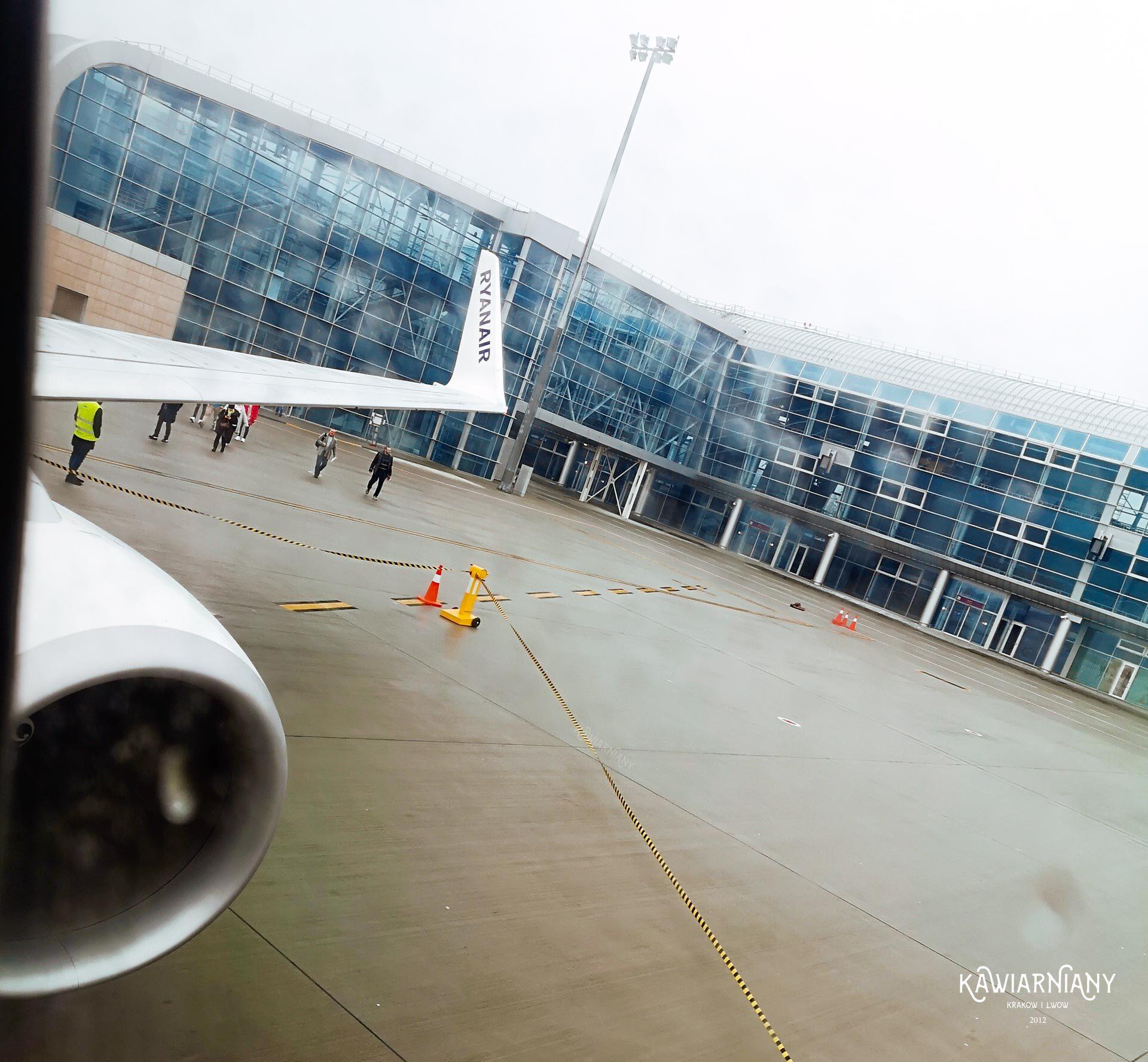 lwów dojazd z lotniska