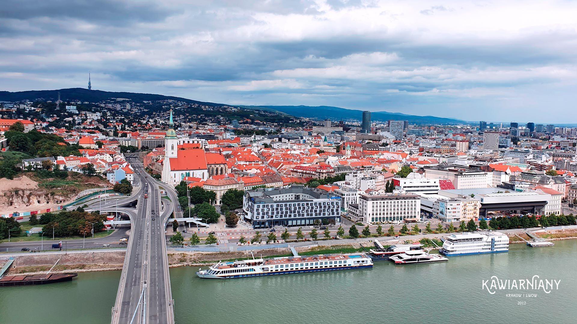Jak dojechać na lotnisko w Bratysławie? Dojazd do centrum